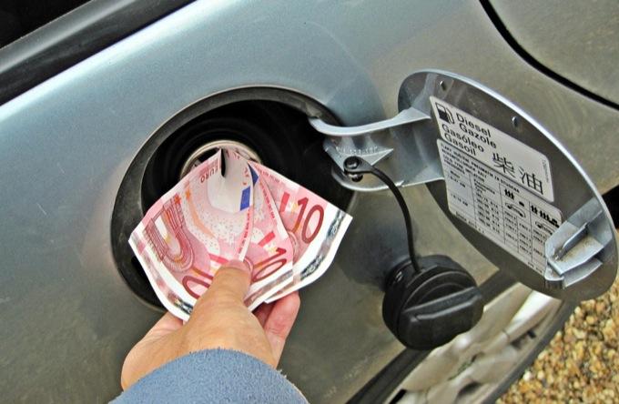 Mercato auto, ACI si scaglia contro la pressione fiscale