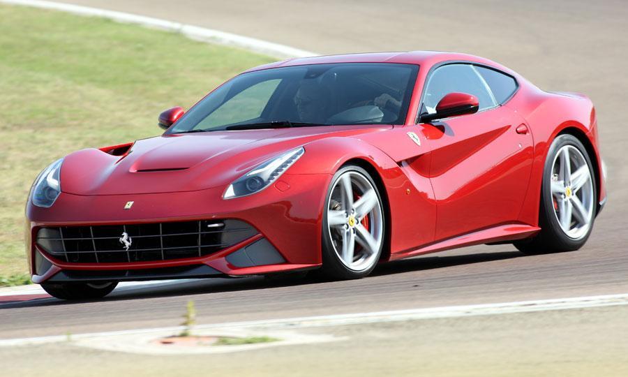 Ferrari F12berlinetta, il tuner DMC rilascia un teaser