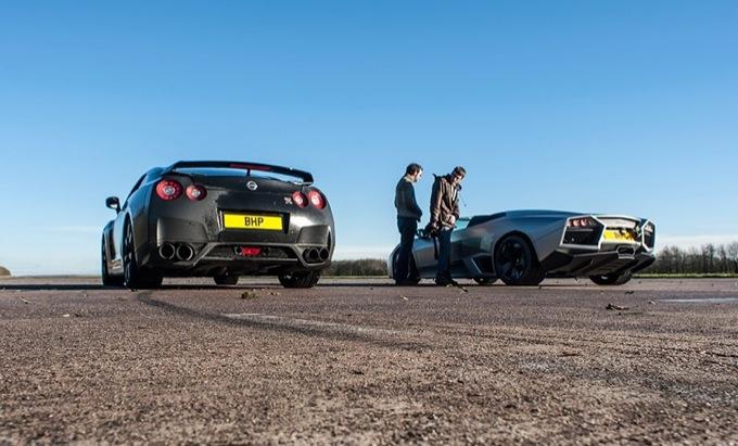 Lamborghini Reventòn Roadster, sfida alla Nissan GT-R e alla Ducati 1098