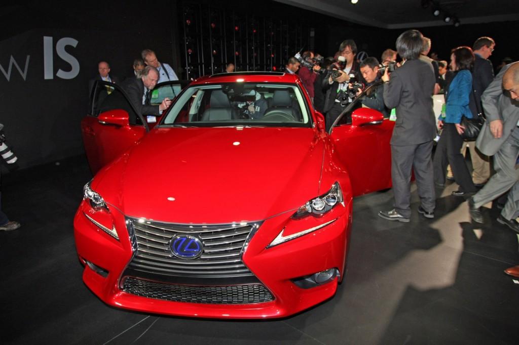 Lexus IS 300h - Salone di Detroit 2013