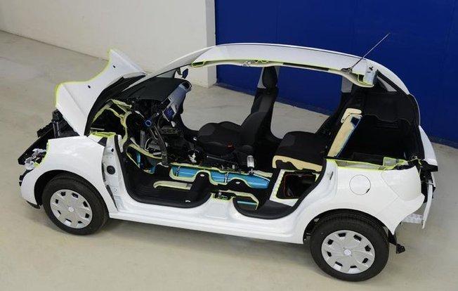 Citroën C3  e Peugeot 208 Hybrid Air, al Salone di Ginevra 2013 arriva l'ibrida ad aria compressa