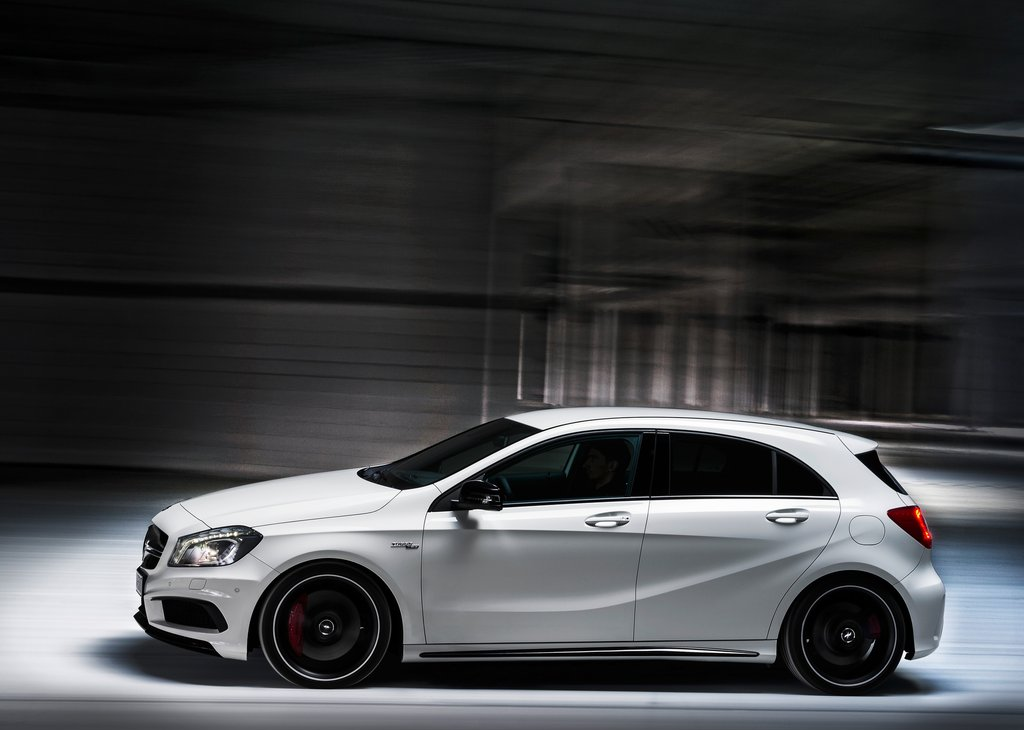 mercedes classe a 45 amg news mercedes classe a 45 amg. Black Bedroom Furniture Sets. Home Design Ideas