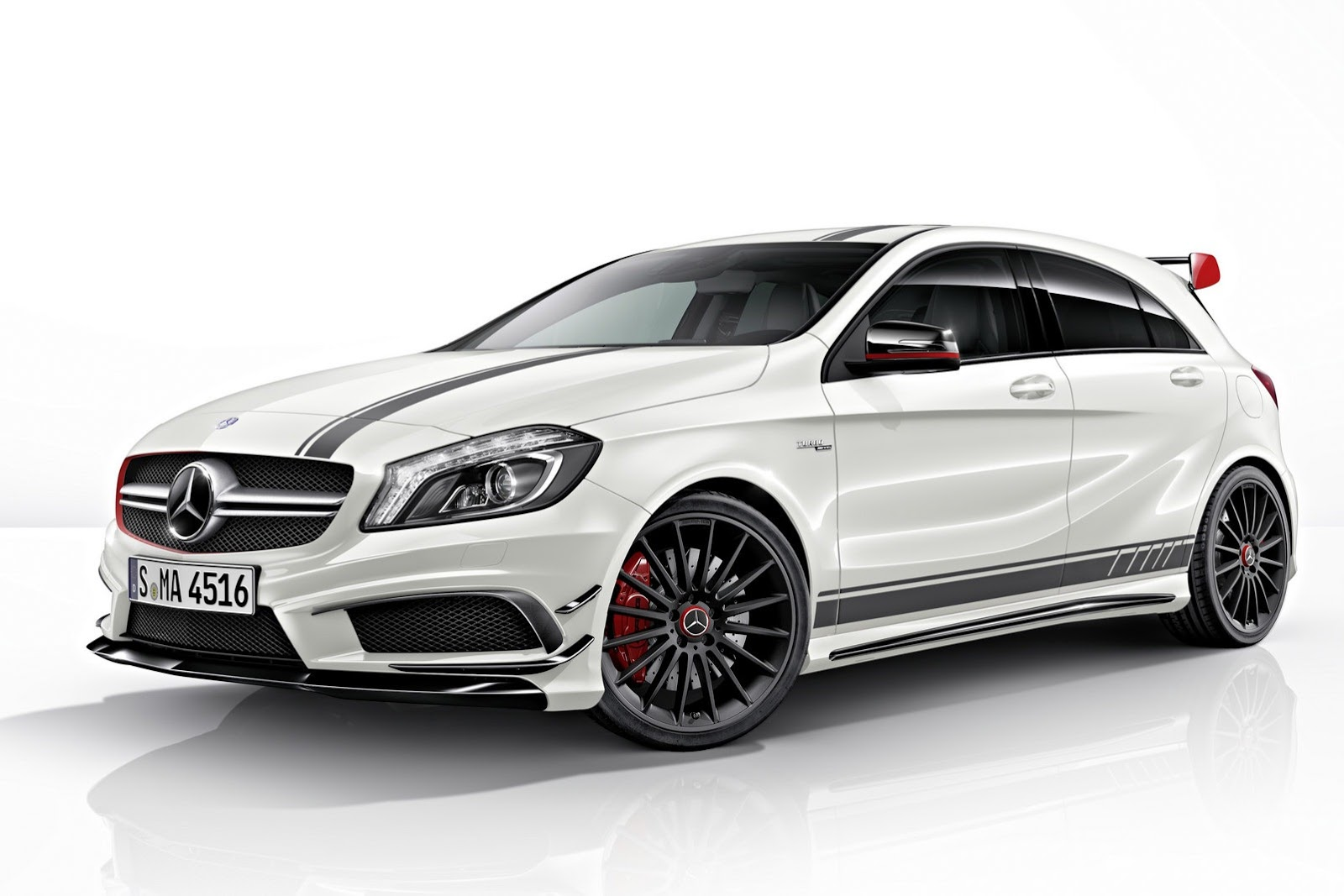 mercedes classe a 45 amg edition 1 prime informazioni e foto ufficiali. Black Bedroom Furniture Sets. Home Design Ideas