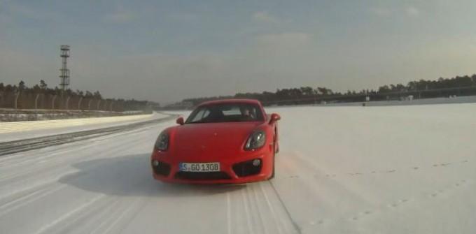 Porsche Cayman S a 290 km/h sulla neve
