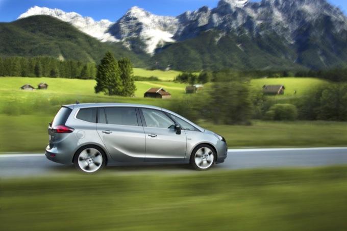 Opel Zafira Tourer 1.6 Turbodiesel Ecotec, ufficiale la presenza al Salone di Ginevra 2013