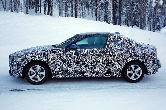 BMW Serie 2: Avvistata già su strada l'erede della Serie 1 Coupè