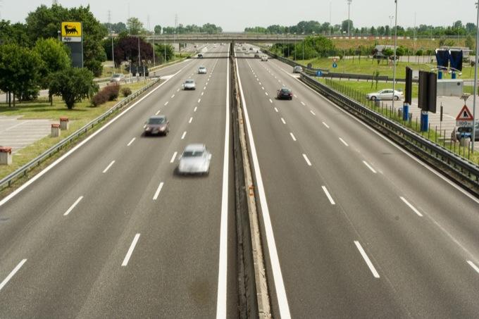 Primo soccorso in caso di incidente stradale, solo un automobilista italiano su dieci sa cosa fare