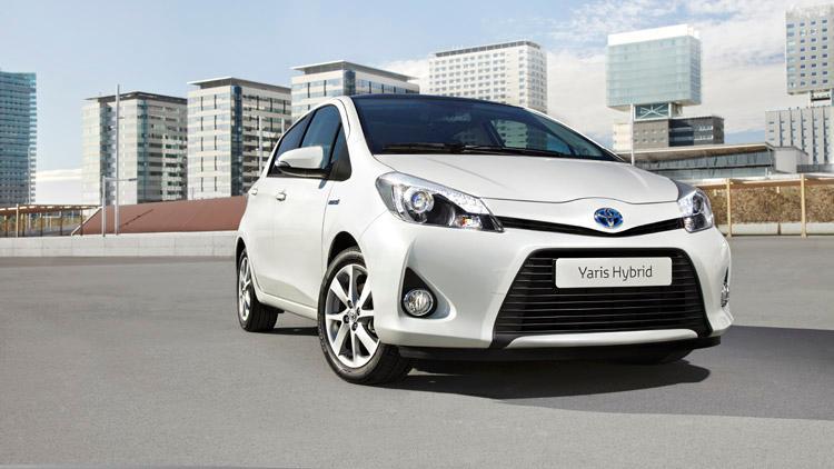 """Toyota Yaris ibrida, per lei il premio """"Auto Verde 2012"""""""