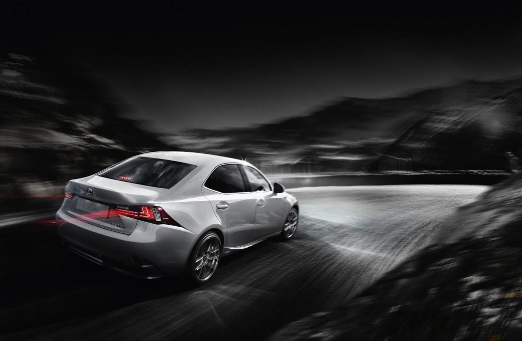 Lexus IS, si pensa alla variante coupé