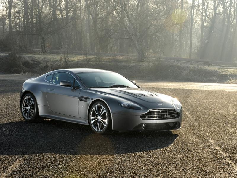 Aston Martin cancella la V12 Vantage?
