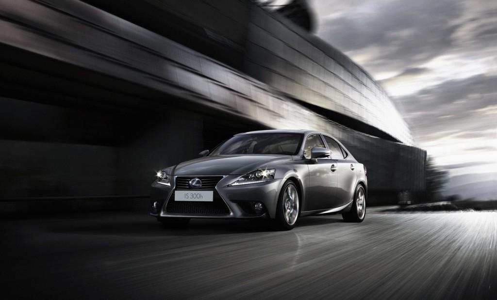 Lexus IS Hybrid: si parte dai 37.500 euro
