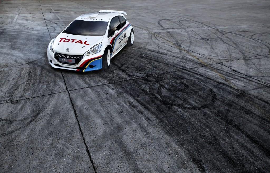 Peugeot 208 T16, dopo la terra pronta ad aggredire l'asfalto