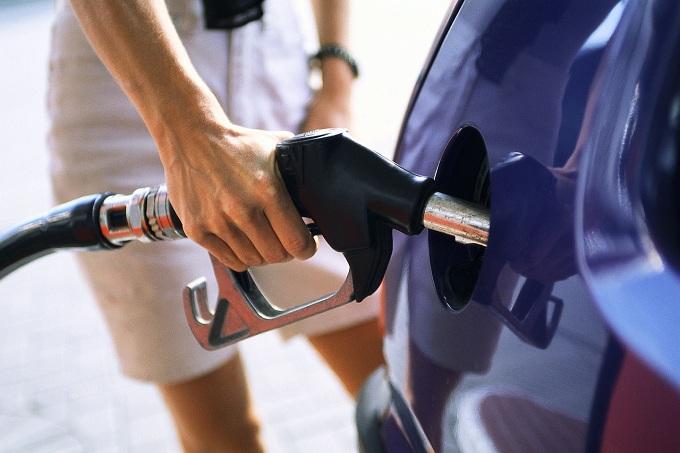 Il prezzo della benzina torna a salire sopra 1,8 euro al litro