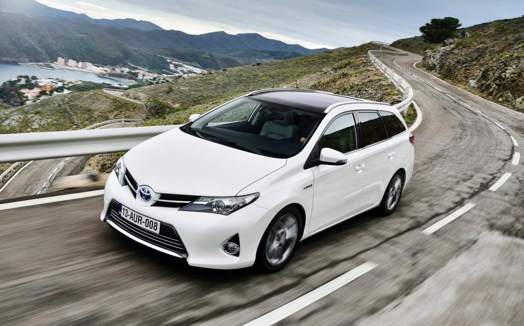 Toyota Auris Touring Sports: a luglio nelle concessionarie inglesi