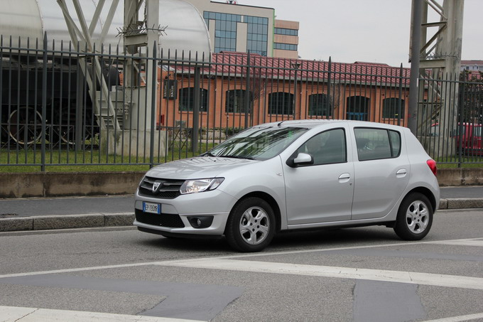essai dacia sandero 2 tce 90 eco2 laur ate amp dacia sandero stepway pictures to pin on pinterest. Black Bedroom Furniture Sets. Home Design Ideas