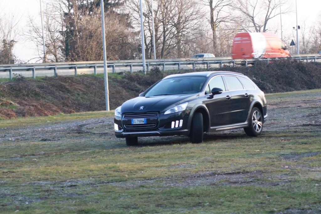 Peugeot 508 RXH, mobilità ibrida a 360°
