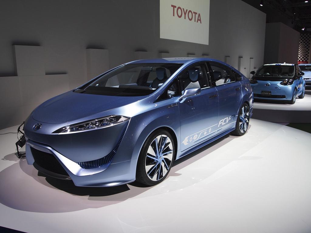 Toyota svelerà un veicolo alimentato ad idrogeno