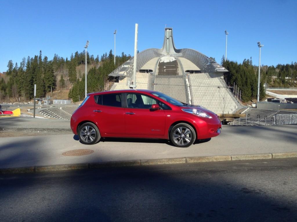 Nissan Leaf, concentrato di tecnologia automobilistica
