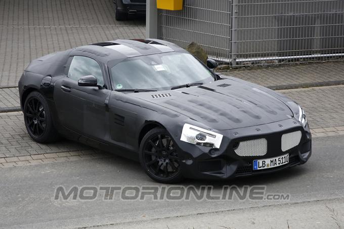 """Mercedes SLC, nuovo video spia della """"baby SLS"""""""