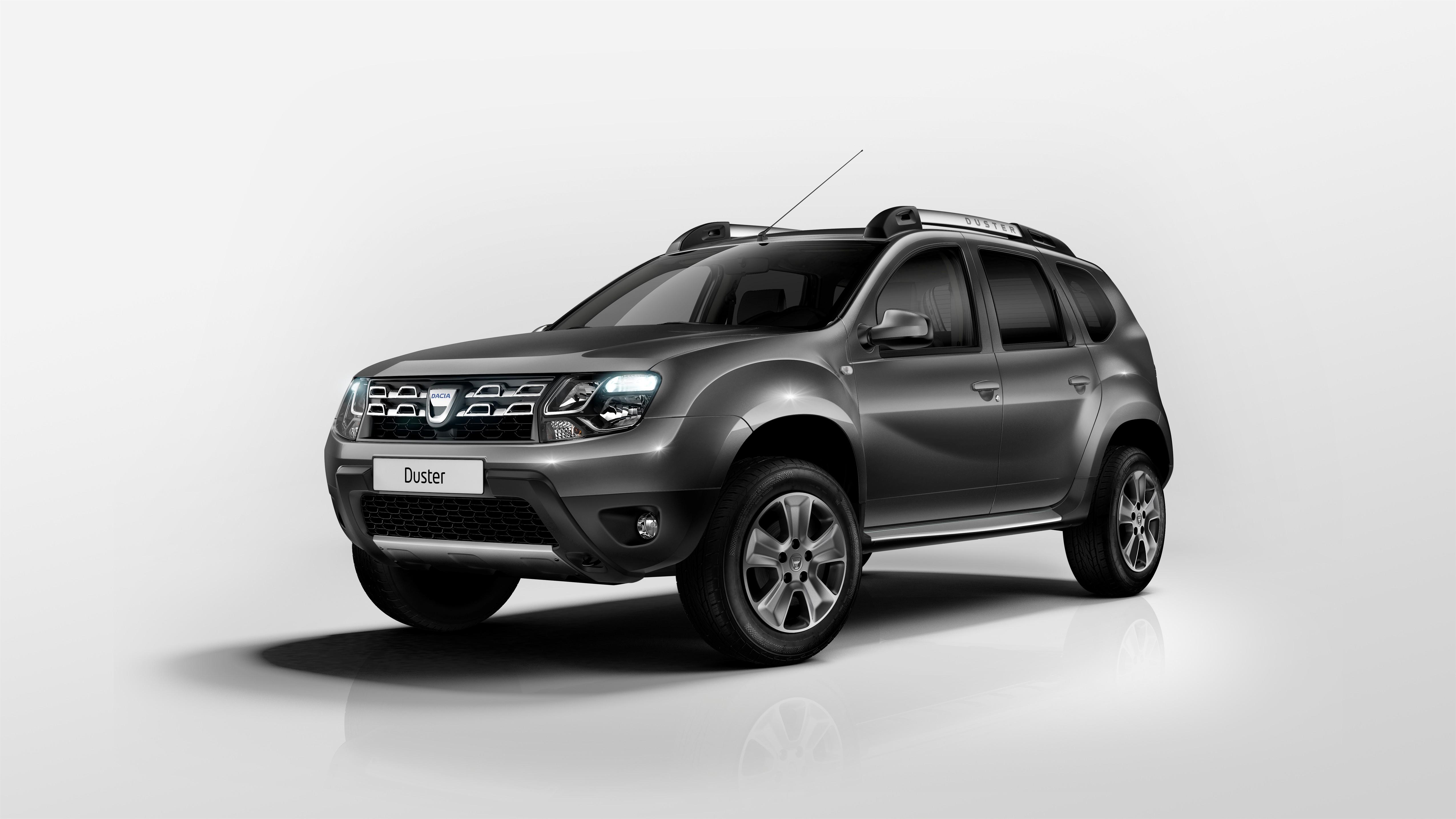 Dacia duster 2014 svelato il restyling del nuovo fuoristrada for Dacia duster foto interni