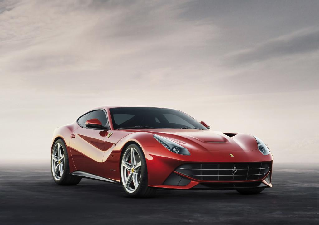 La nuova Ferrari F12berlinetta monta le gomme Bridgestone Potenza S007