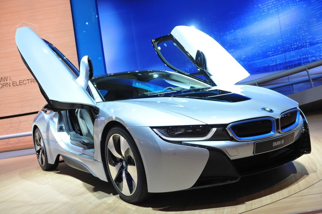 BMW i8, sportività premium per la prima ibrida plug-in bavarese