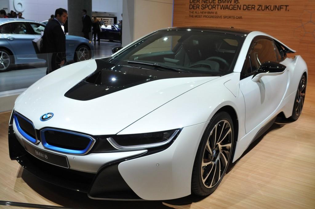 BMW tra futuro green e seduzione delle forme