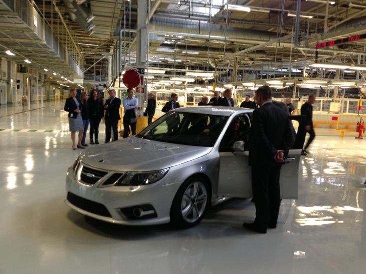 Saab, riparte la produzione e i primi prototipi escono dalle linee d'assemblaggio