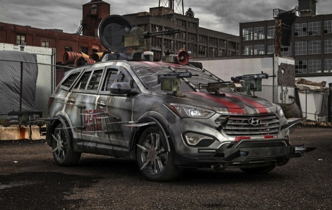 Hyundai Santa Fe Sport Zombie Survival Machine, l'auto di The Walking Dead