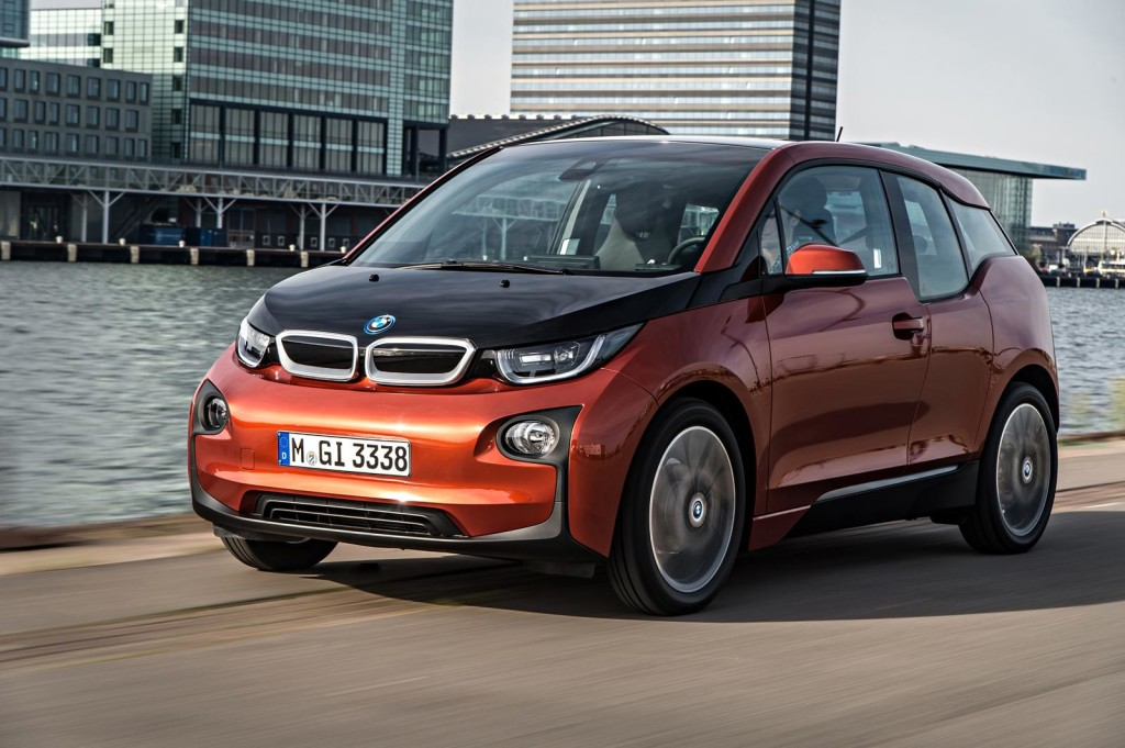 BMW i5, sarà una berlina o un crossover?