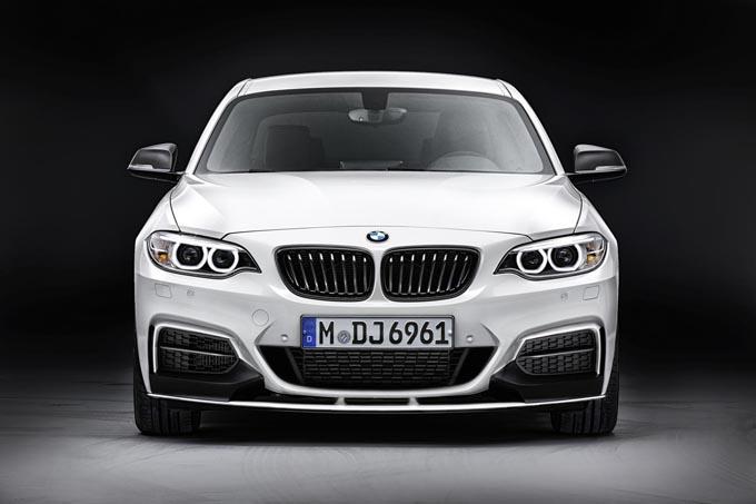 BMW Serie 2 M Performance: la coupé compatta attinge al catalogo di dotazioni sportive