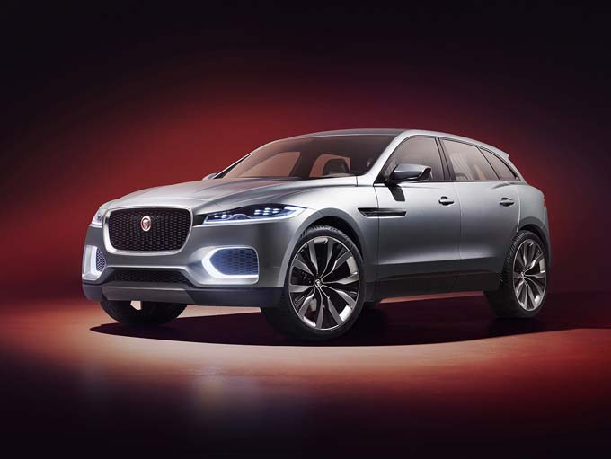Jaguar C-X17: video di un primo test drive a Dubai