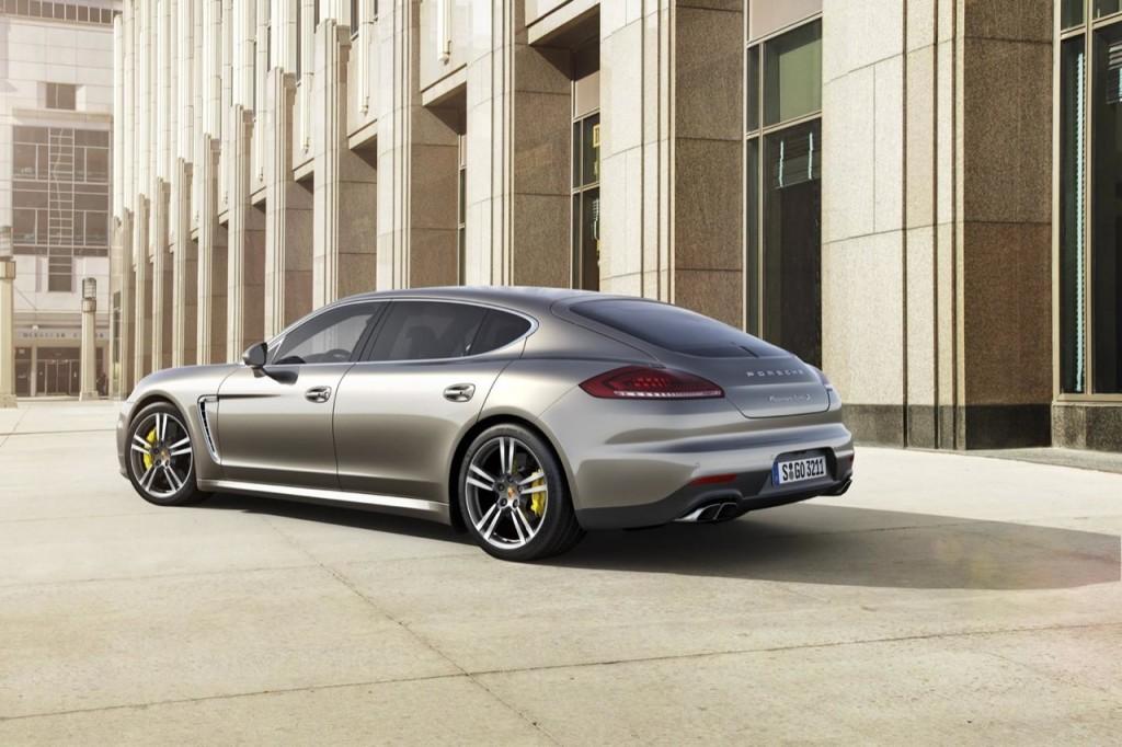 Nuova Porsche Panamera, la contraddizione che seduce