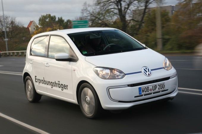 Volkswagen Twin-Up, debutta la nuova ibrida diesel di Wolfsburg
