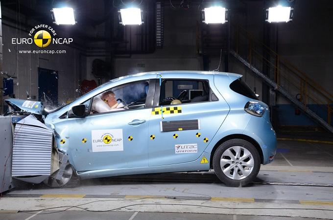 Renault Zoe: eletta migliore citycar del 2013 da Euro NCAP