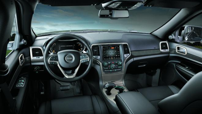 jeep-grand-cherokee-debutta-in-italia-la-versione-laredo-dellammiraglia-jeep-140113_j_grandcherokee_laredo_02