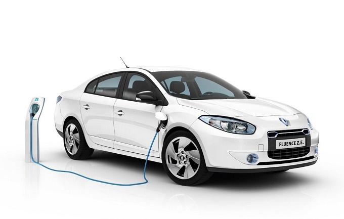 Renault ZE Fluence: staccata definitivamente la spina alla berlina elettrica francese