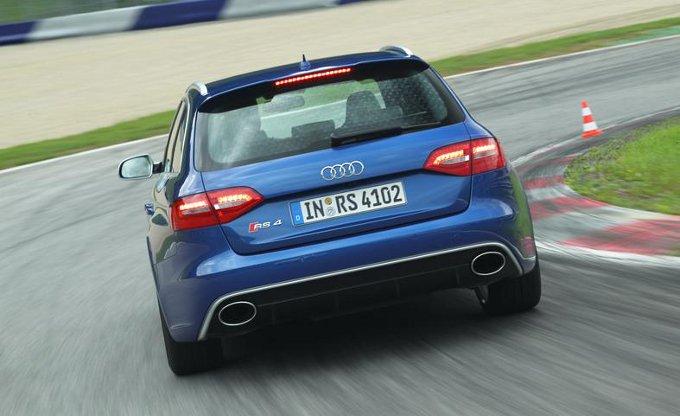 Nuova Audi RS4: addio V8, benvenuto V6?