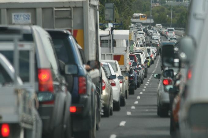 Emissioni CO2, l'UE fissa il limite a 95 g/km