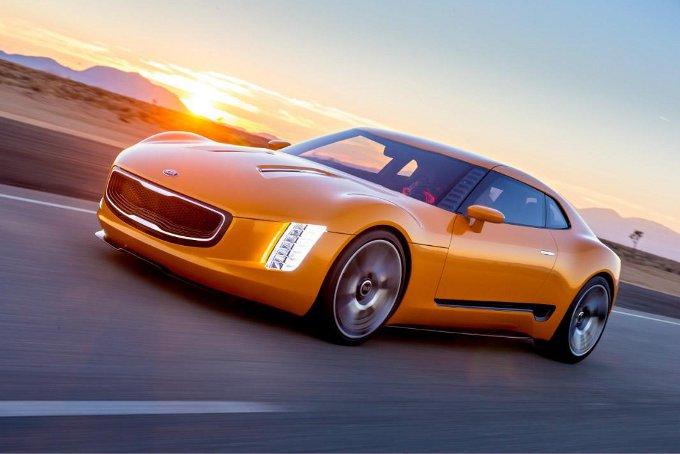 Kia GT4 Stinger, la versione di produzione arriverà a fine anno