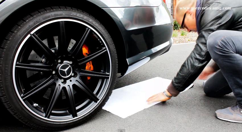Mercedes AMG mostra l'arte di realizzare burnout con stile