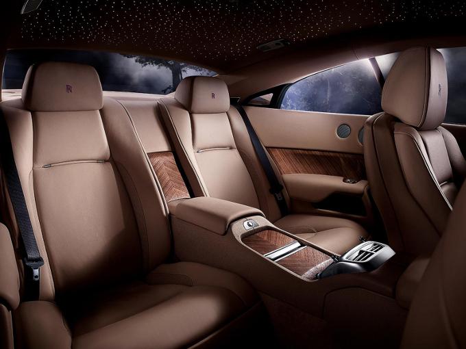 Rolls-Royce, il SUV di lusso si fa sempre più vicino?
