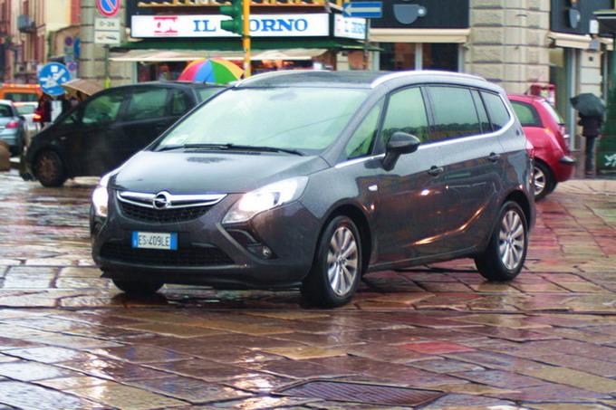 Opel Zafira Tourer: prova su strada