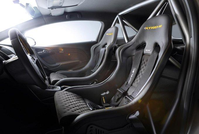 Opel Astra OPC EXTREME, la produzione (limitata) partirà dal 2015