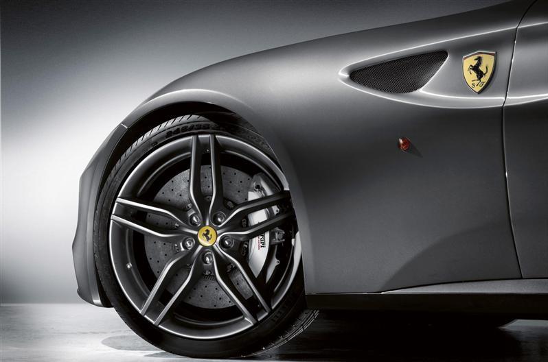 Ferrari FF Coupé, potrebbe arrivare entro l'inizio del 2015