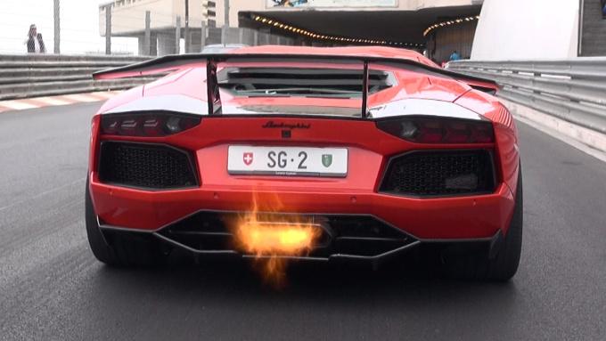 Video – DMC Lamborghini Aventador Molto Veloce: la sputa fiamme!