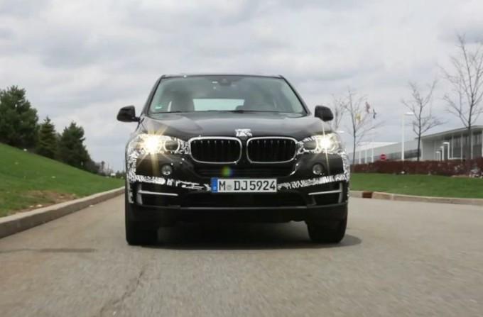 BMW X5 eDrive Concept, nuovo video sugli aggiornamenti verso la versione di serie