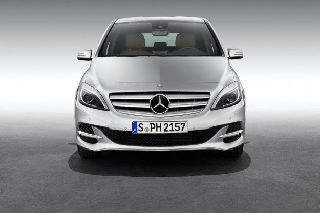 Mercedes Classe B, il restyling debutterà al Salone di Parigi