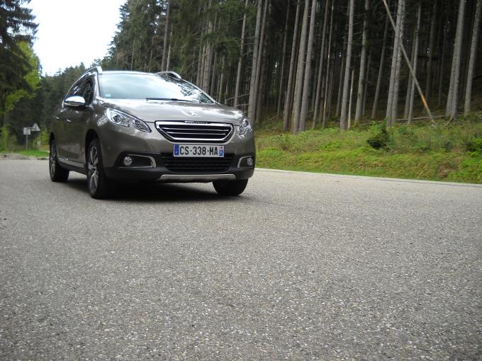 Peugeot 2008, gamma da record con 13 versioni disponibili