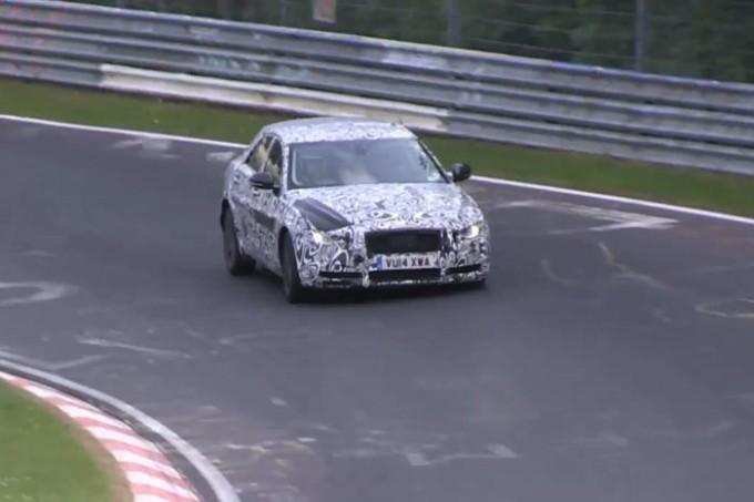 Jaguar XE catturata in un nuovo video spia che ce la mostra all'opera al Nürburgring